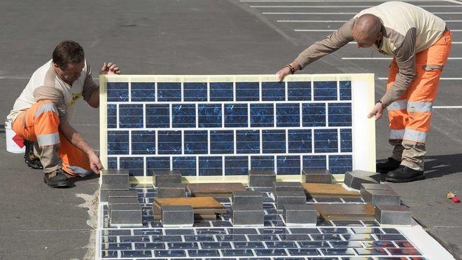 Brukte 50 mill på å installere 2800 kvadratmeter solcellevei: Skrøpelig, støyende og uproduktiv