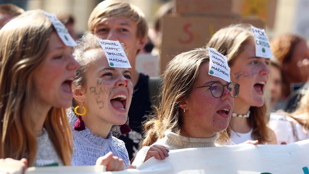 I Tyskland deltok titusenvis i klimastreiken i flere byer, samtidig som den tyske regjeringen kunngjorde at den er blitt enig om en pakke med nye klimatiltak. Bildet er tatt i München.