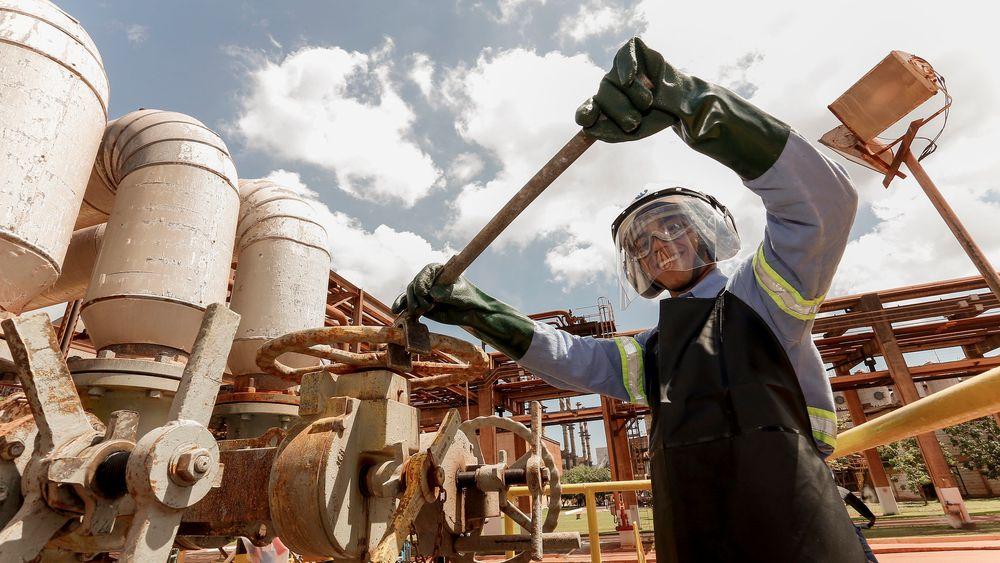 Alunorte-fabrikken måtte fram til mai i år holdes på 50 prosent kapasitet etter at kraftig uvær i februar 2018 førte til anklager om at fabrikken slapp ut ubehandlet regnvann.