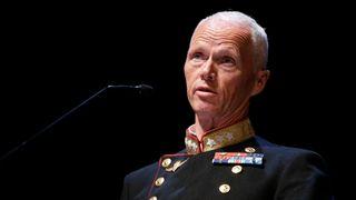 Tidligere hærsjef mener norske oljeinstallasjoner er for dårlig beskyttet – justisministeren uenig
