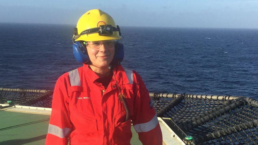 Den 25 år gamle sivilingeniøren Sara Narum jobber på Shells felt Curlew på britisk sokkel.