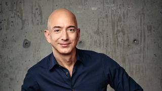 Amazon-sjef Jeff Bezos er verdens rikeste mann. Og verdens største elbil-kunde.