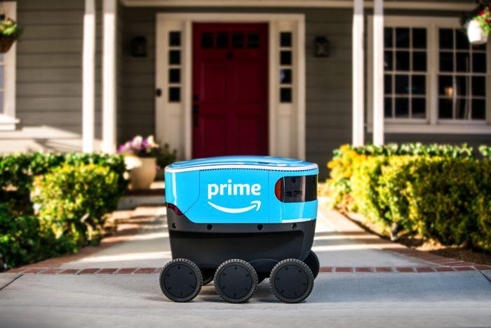 Amazon har allerede begynt utkjøring av pakker med Scout, en sekshjuls selvkjørende robot.