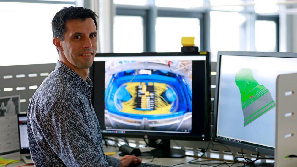 Cedric Fayemendy er geofysiker i Equinor og har ansvar for overvåkingen av reservoaret til Johan Sverdrup.