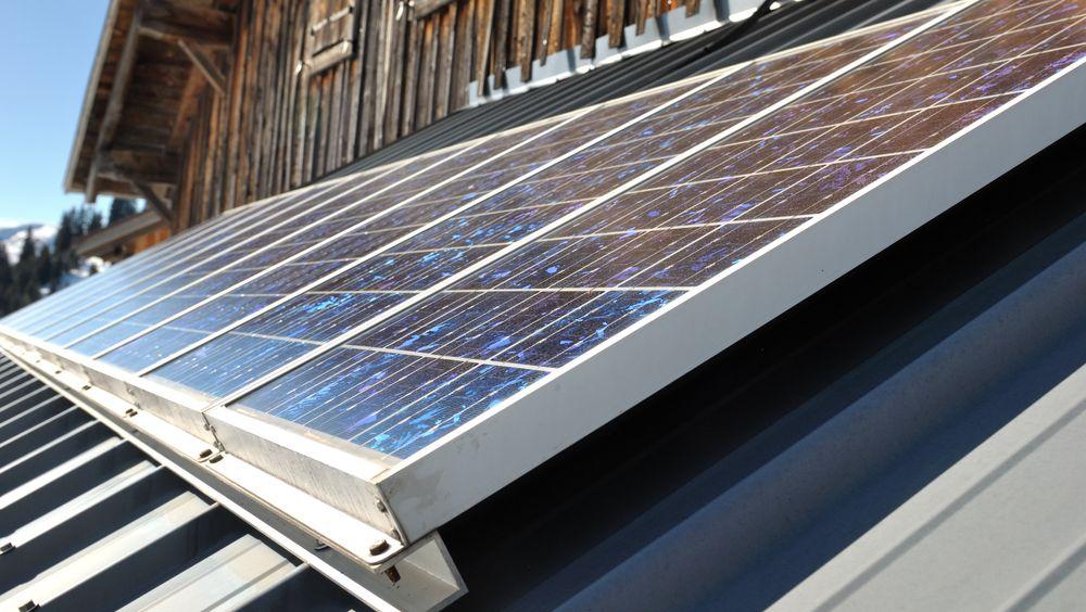 Vil du ha full støtte til solcellepanel hjemme, må det være installert innen 1. april 2020.