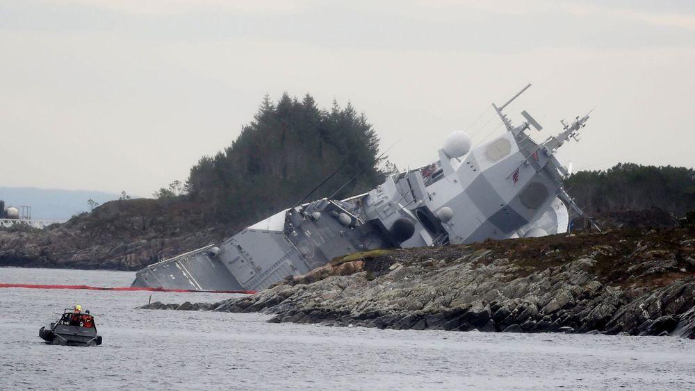 Fregatten KNM Helge Ingstad kolliderte med oljetankeren TS Sola fredag 8. november 2018.