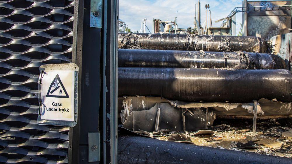 Direktoratet for samfunnsikkerhet og Beredskap (DSB) har gjennomført et tilsyn etter en kraftig hydrogeneksplosjon ved Uno-X-stasjonen i Bærum 10. juni. De er uenige med teknologileverandøren om standardene for testing er fulgt eller ikke.