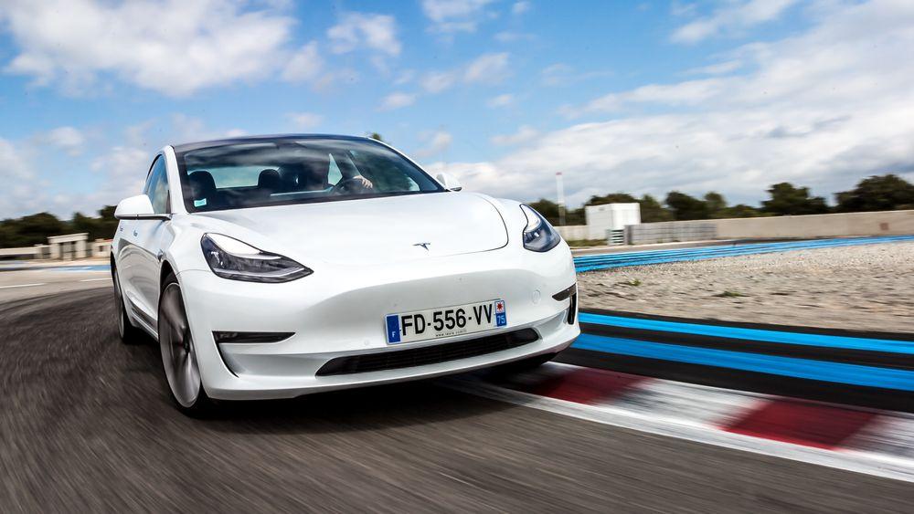 Her går det unna: Model 3 gir Tesla stadig nye rekorder.