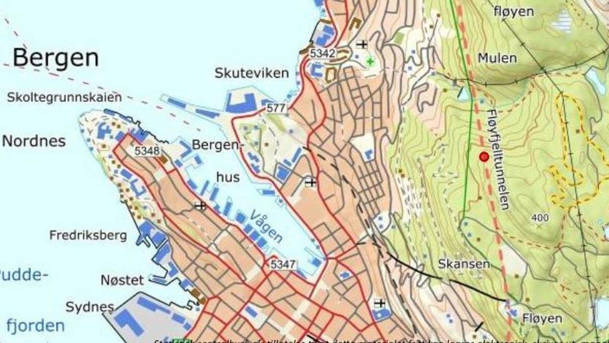 Feil i betongen i Fløyfjellstunnelen førte til stort ras torsdag formiddag.