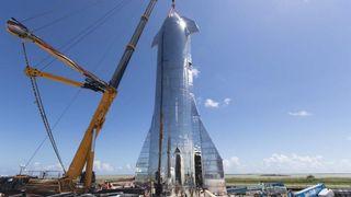 SpaceX: Romskipet av stål er snart klar for første ferd i rommet