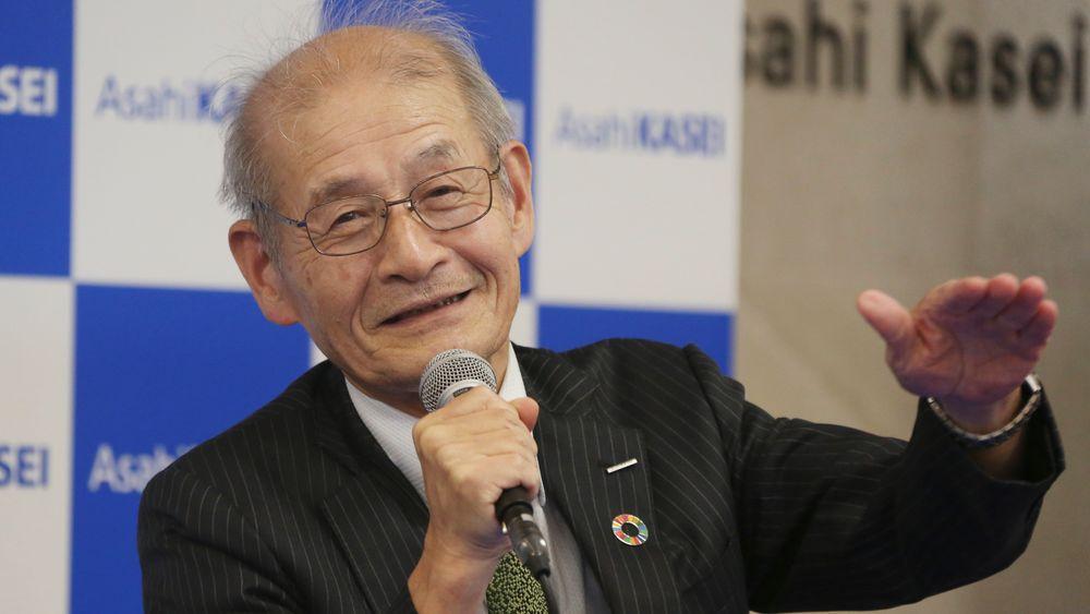 Akira Yoshino er en av vinnerne av årets nobelpris i kjemi. Det var en svært glad nobelprisvinner som møtte pressen i Tokyo onsdag.
