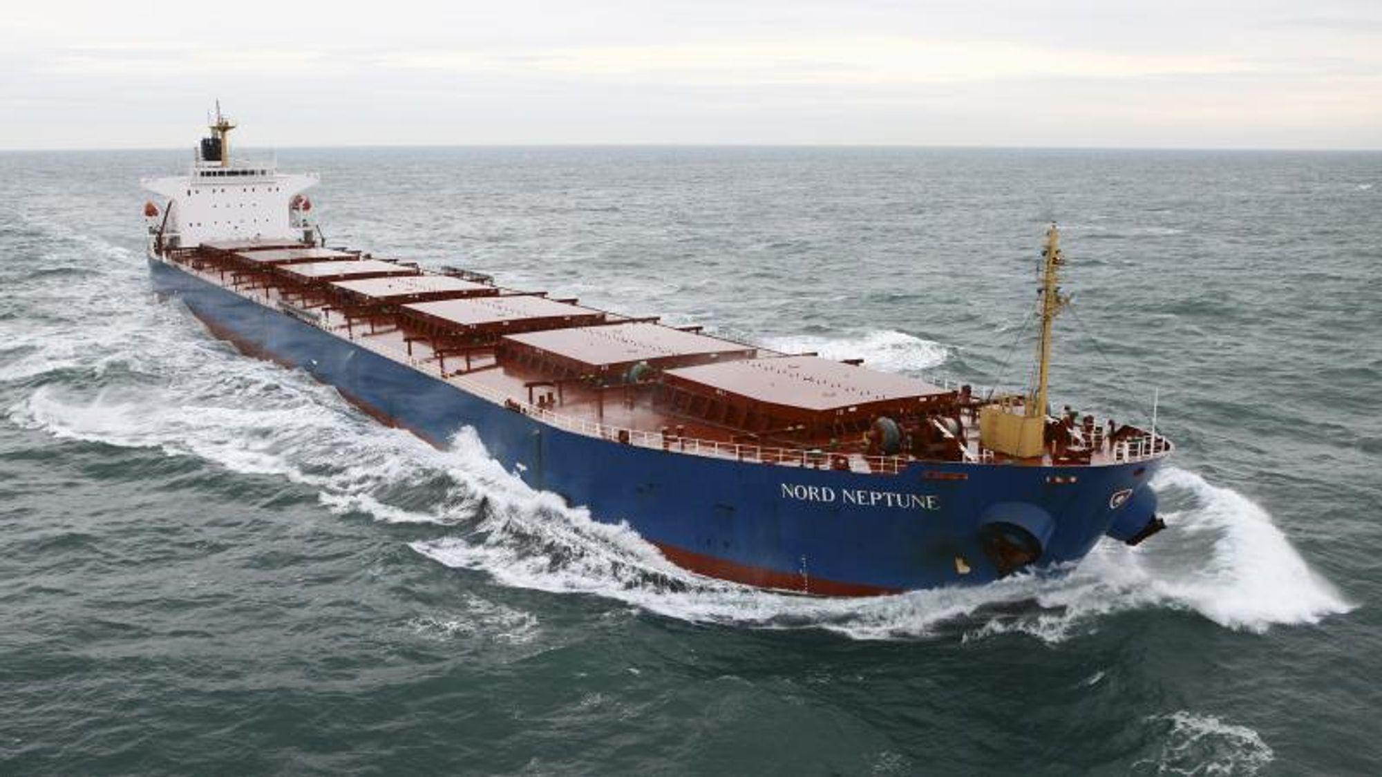 Dampskibsselskabet Norden er, som flere andre danske rederier, i full gang med å installere scrubbere på en del av flåten for å kunne seile på heavy fuel-olje, etter at de nye svovelkravene fra IMO trer i kraft fra nyttår.