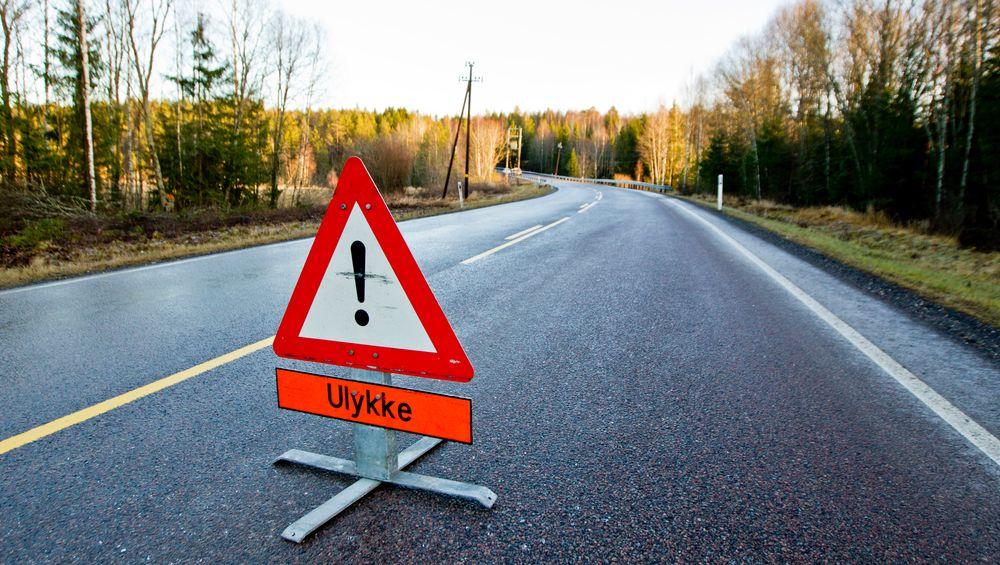 Sjansen for å bli drept eller alvorlig sladd er 80 prosent høyere på en riksvei enn på en fylkesvei, ifølge nye tall.