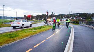 Her prioriteres sykkel foran bil: Lar varmefølsomt kamera styre rødt og grønt lys