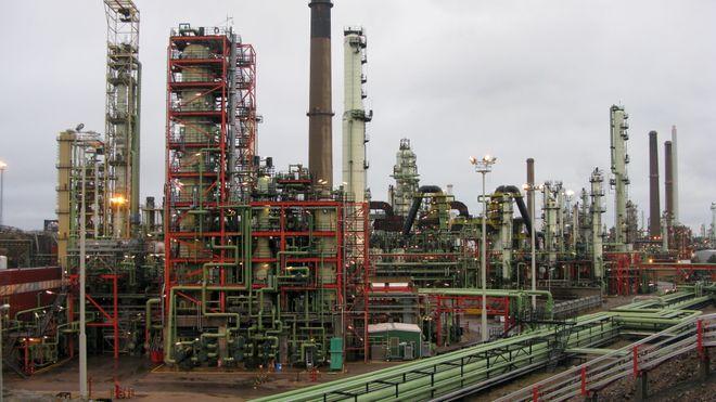 Et av selskapets oljeraffinerier i den sørfinske byen Borgå. Bildet er tatt i 2015, da anlegget hadde en årlig kapasitet på rundt 13,5 millioner tonn.