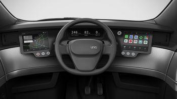 Sjåføren skal sitte midt i bilen, og vil få tre skjermer å kikke på.