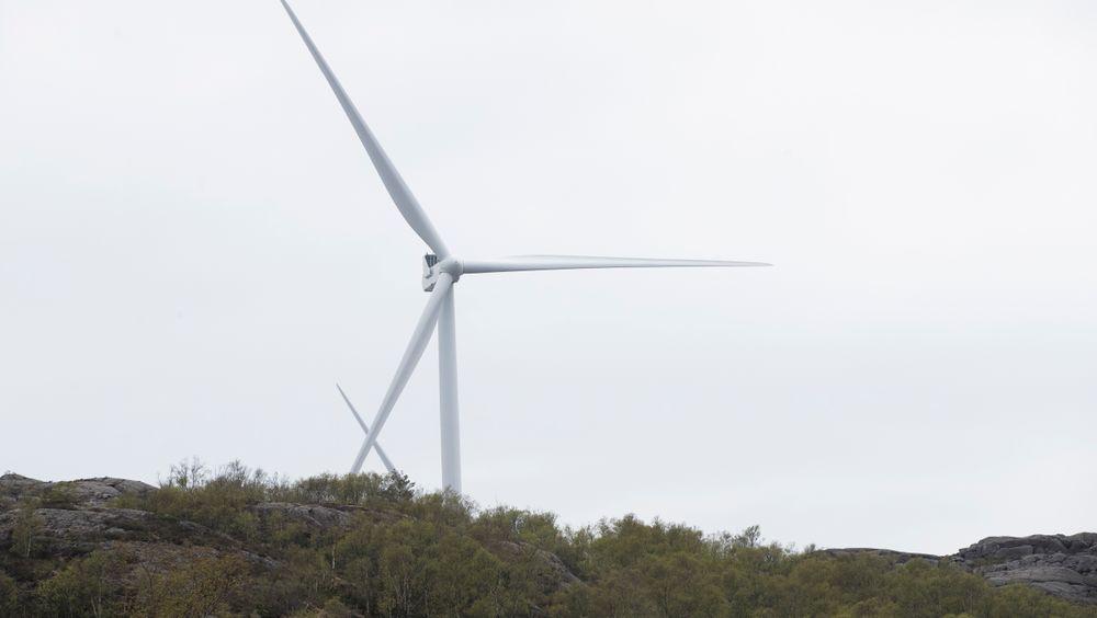 Vindmøllene i Eigersund kommune i Rogaland er allerede bygget, men mange rundt om i landet er negative til planen om å bygge vindmøller i deres nærmiljø.