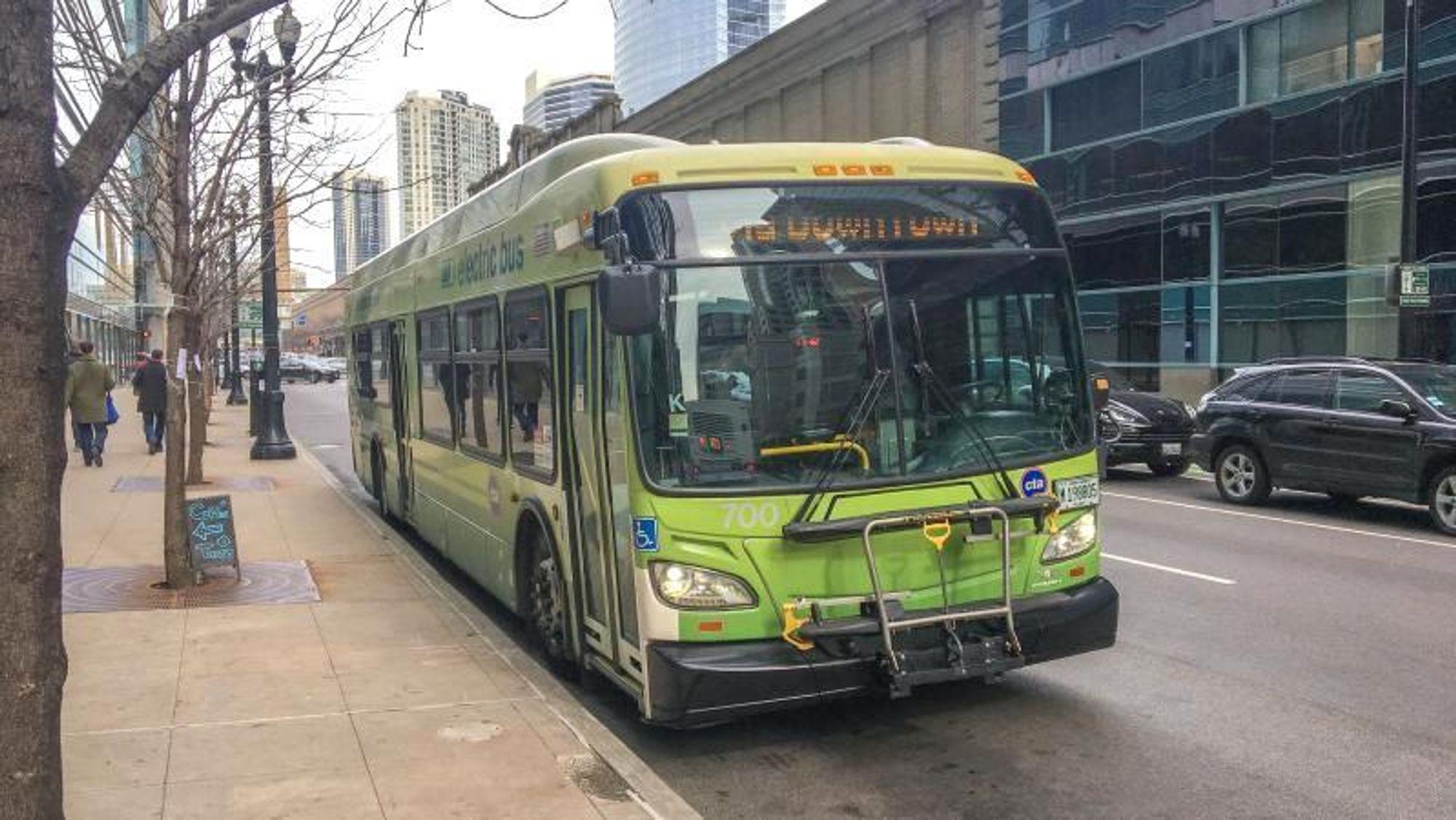 Chicagos elbussforsøk har pågått siden 2012. Bussene var de første amerikanske som kjøres i kaldt klima.