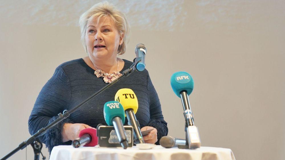 Statsminister Erna Solberg (H) varsler at regjeringen ikke vil gå videre med en rammeplan for norsk vindkraft, som NVE har utarbeidet. Protestene fra kommunene ble for sterke.