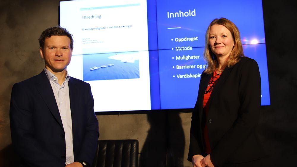 """Sintef OCean-forskerner Even Ambros Holte og Beate Kvamstad-Lervold presenterte rapporten """"Fremtidsmuligheter i maritime næringer"""" i Oslo torsdag 17. oktober."""