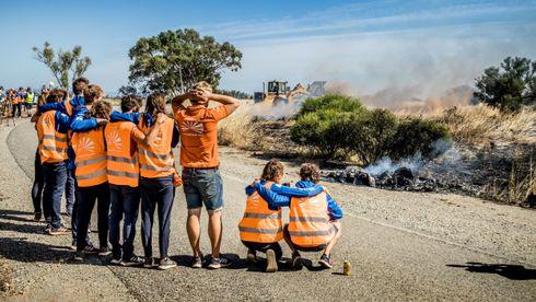 Ledet solcelleløpet etter 2500 kilometer – så brant racerbilen opp