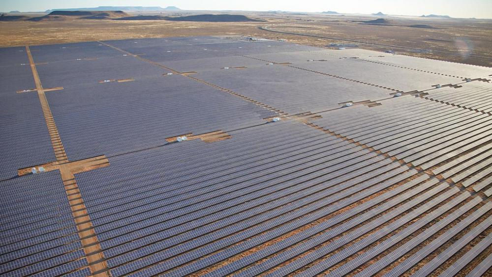 Scatec bygger solkraftverk over hele verden. Her fra et anlegg i Brasil.