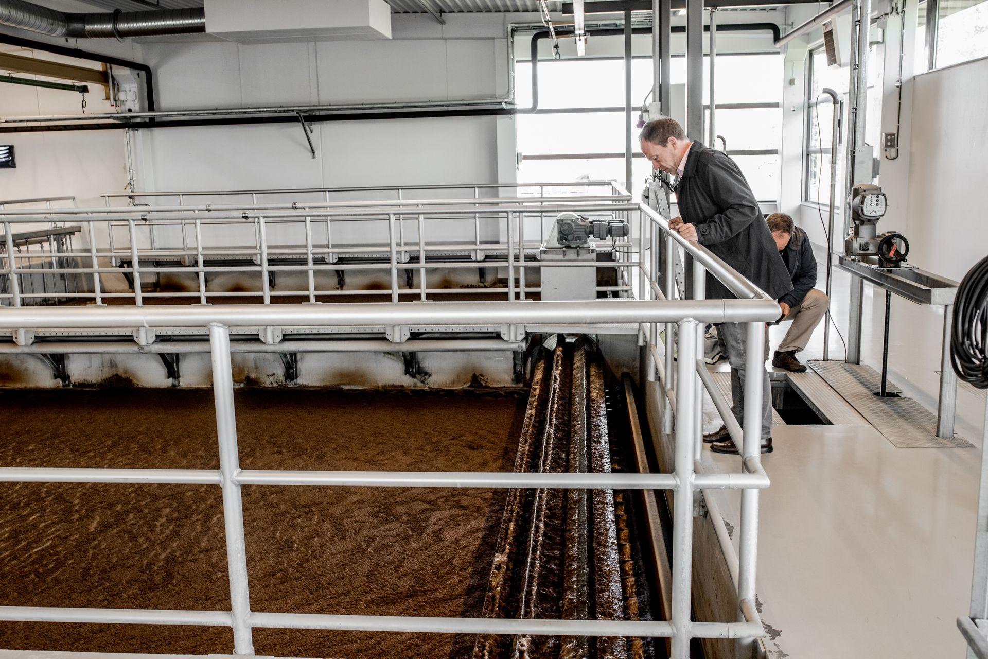 Det moderne renseanlegg MOVAR behandler vannet gjennom fem trinn. Her skilles partikler ut gjennom flotasjonsteknologi. Slike anlegg trengs det flere av.