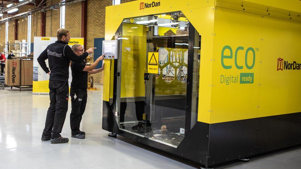 Nordea i Sverige er først på markedet med 3D-printede vinduer. Printeren kan lage rammer og dørblader på opptil 1,5 x 2,5 meter.