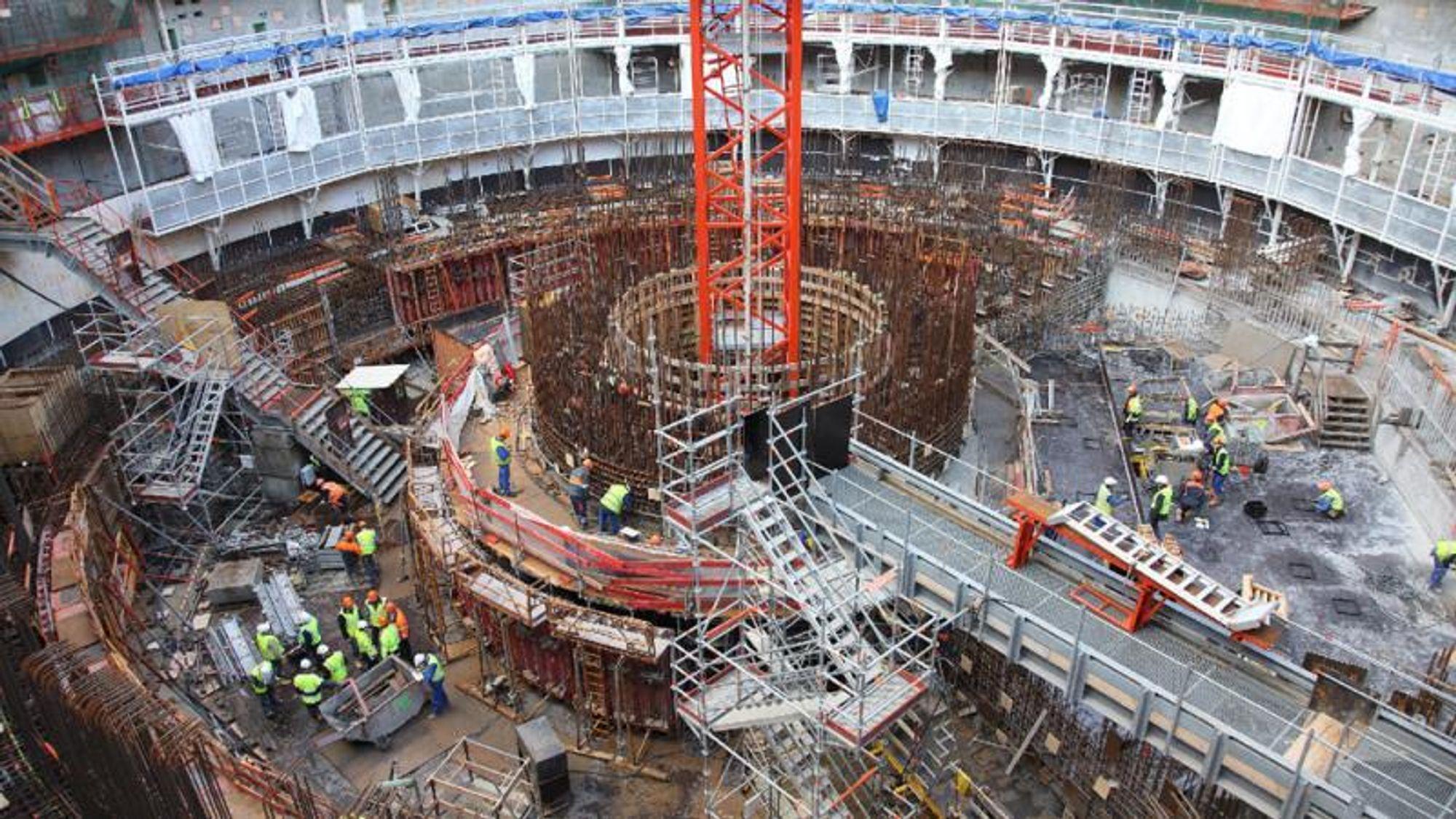 Byggingen av den stadig dyrere og forsinkede EPR-reaktoren i Flamanville gjør vondt for selvfølelsen til det franske energiselskapet EDF.