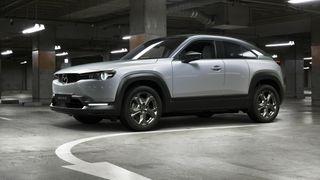 I natt ble Mazdas første elbil, MX-30, lansert på bilmessen i Tokyo.