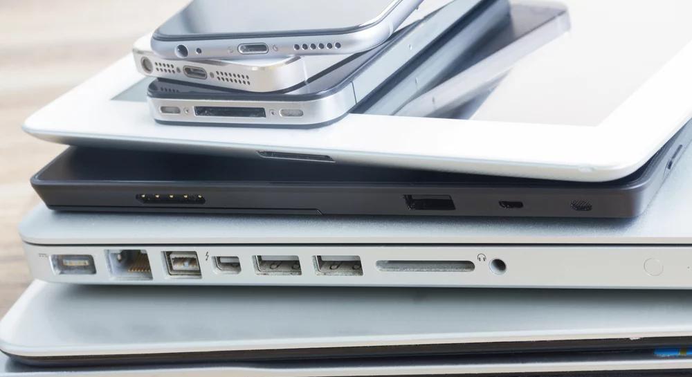 BRANDSTORY: Hva gjør bedriften din med gamle PCer og mobiltelefoner?