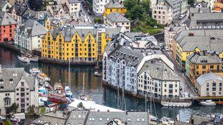 Ålesund ville gi veijobben til lokalkjente. Kofa: Kommunen kuttet for mange svinger