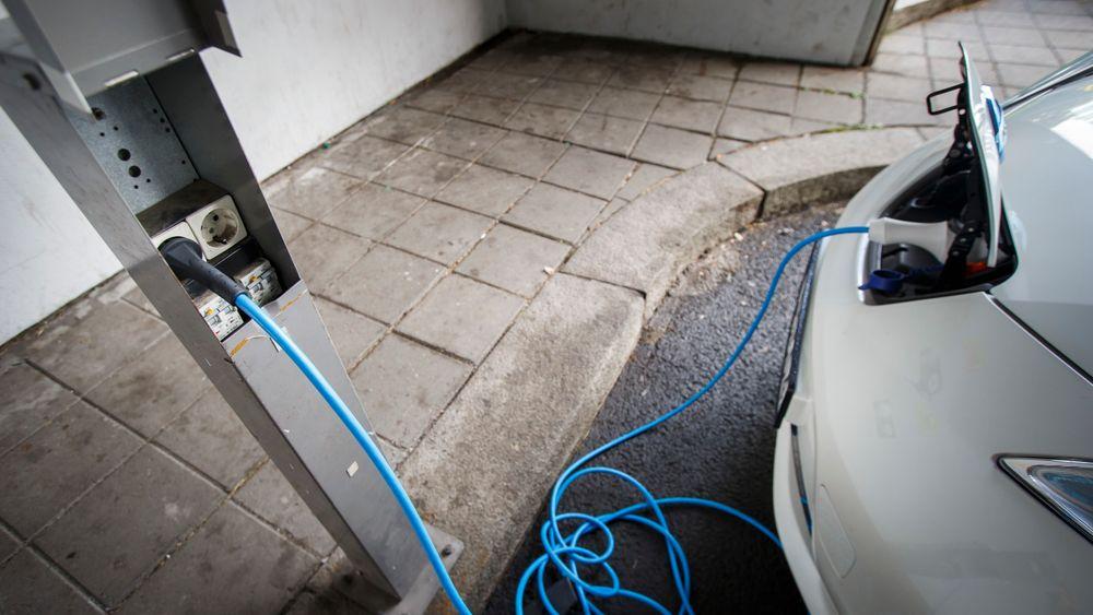 Statsbygg er først i Norge med overføring av strøm fra en elbil til strømnettet.