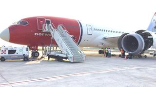 Regnet varme deler i gatene: Nå har Italias havarikommisjon plukket fire kg motordeler fra Norwegian-flyet