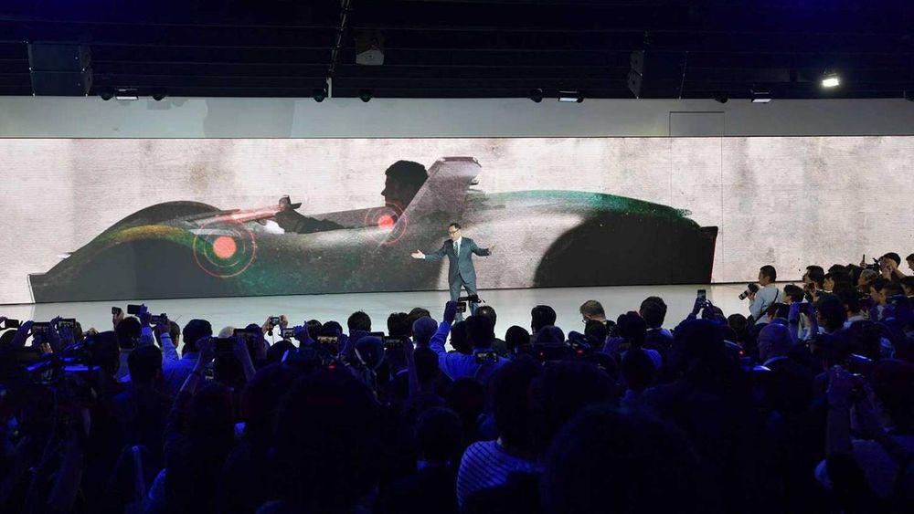 Toyota dominerer med visjoner og lekenhet. Direktør Akio Toyoda.