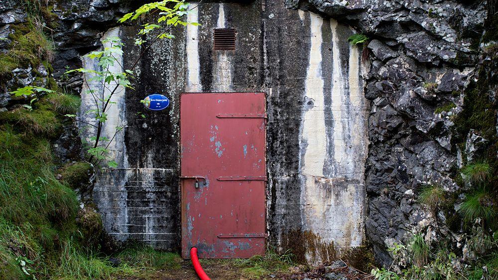 Vannkvalitet kom igjen på dagsorden etter skandalen ved høydebassenget i Askøy. Mattilsynet anbefaler nå å se nærmere på utbedring og oppgradering av distribusjonssystemet for drikkevann. Tilsynet sier også at beredskapen må styrkes.