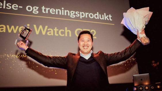 Anders Bigseth i Huawei tok imot prisen for årets helse- og treningsprodukt, Huawei Watch GT 2.