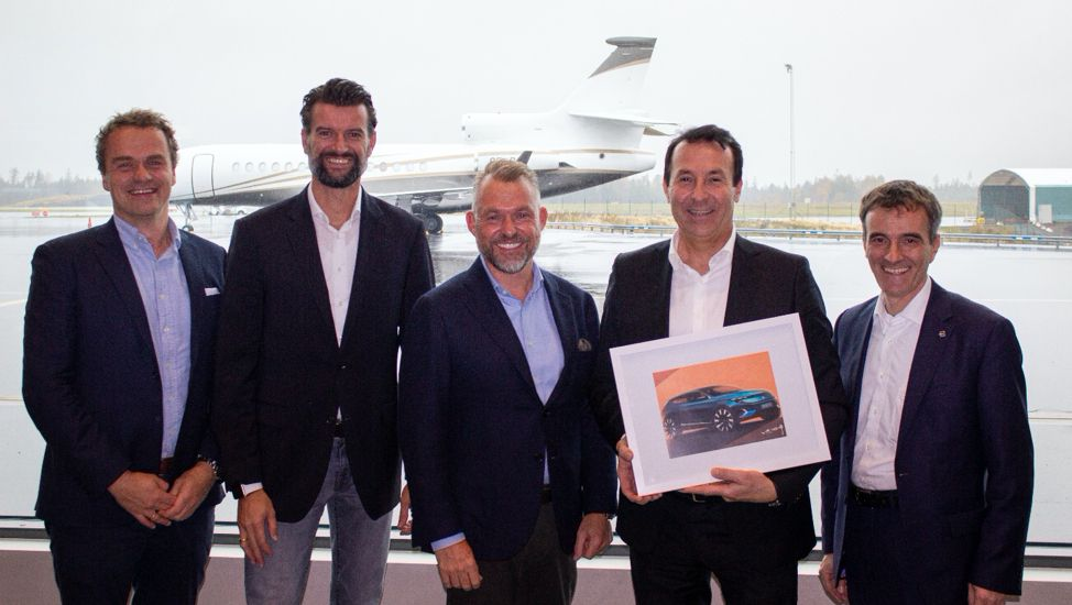 F.v: Stig Sæveland (adm. dir. Hedin Automotive), Gerald Krainer (Director Go-to-Market Europe Byton), Dr. Andreas Schaaf (Chief Customer Officer, Byton), Anders Hedin (Eier & CEO Hedin Group) og Marcus Essenpreis (Head of Aftersales Byton)