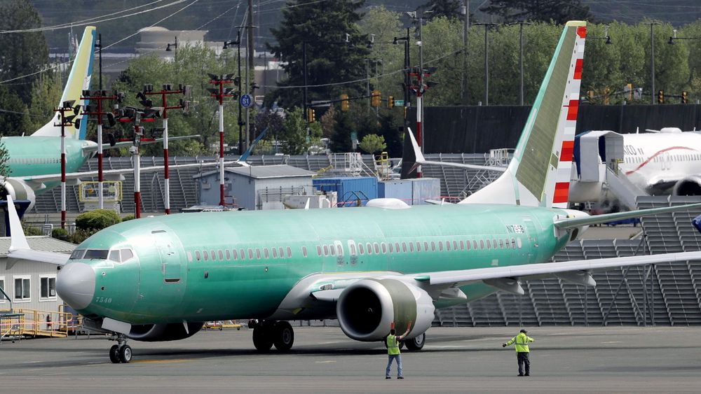 Et Boeing 737 MAX 8 bygget for det amerikanske flyselskapet American Airlines fotografert i mai i år. Fredag kunngjorde selskapet at det fra 5. mars neste år igjen vil bruke den ulykkesrammede flymodellen i ordinær trafikk.