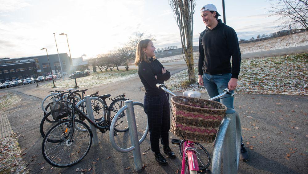 Videregående-elevene Mari Brønseth og Teodor Taraldsen gleder seg til å konkurrere om å redusere klimagassutslippene. De mener begge at potensialet er stort for å minske klimaavtrykkene sine.