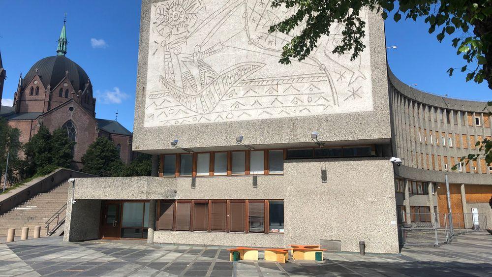 Fylkesmannen i Oslo og Viken vil ikke stoppe rivingen av Y-blokka i det gamle regjeringskvartalet.