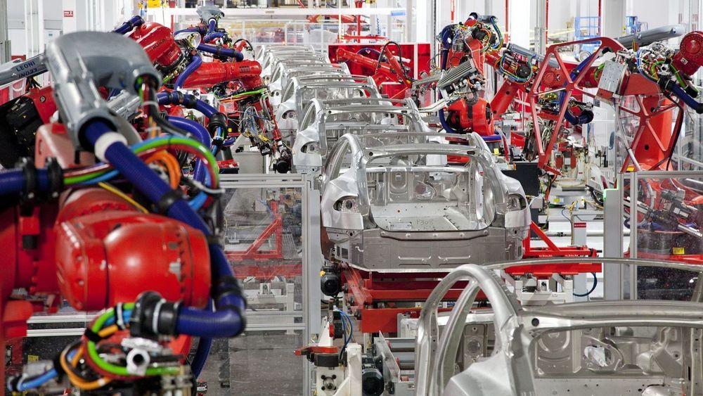 Det kommer en ny Tesla-fabrikk for produksjon av batterier og biler i Tyskland. Bildet er fra Teslas fabrikk i Fremont, California.