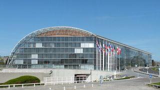 Den europeiske investeringsbanken kutter fossil energi