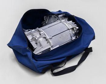 Motoren til ID.3 er kompakt nok til å få plass i en sportsbag.