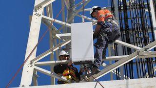 Telenor beholder basestasjoner og fiber, skiller ut mobilmastene