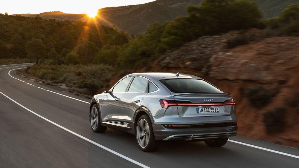 I natt fikk Audi e-tron en coupéaktig tvilling.