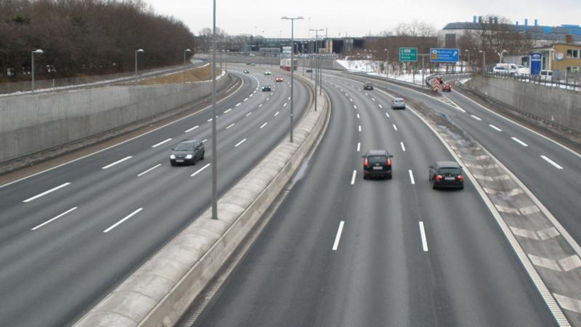 Asfalt med såkalt støyreduserende slitebane (SRS) har blant annet blitt brukt på Motorring 3