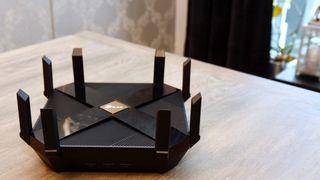 TP-Links nye wifi 6-ruter har tilsammen åtte antenner.