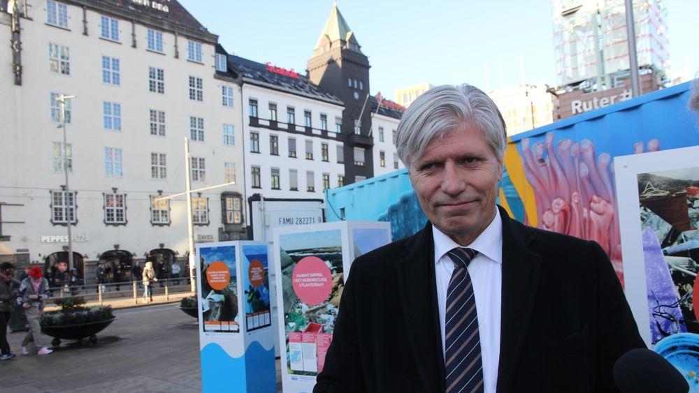 Ved å overføre ubrukte kvoter fra industrien, kan Norge slippe ut mer CO2 fra for eksempel transportsektoren. Sverige valgte å ikke overføre sine kvoter.