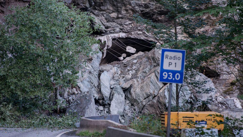 I 2013 knuste et ras veien mellom Nordheimsund og Kvamskogen. Den var stengt i over ett år etter dette raset.